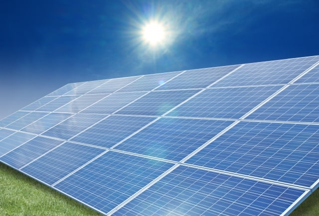 太陽光発電投資のメリットとリスク