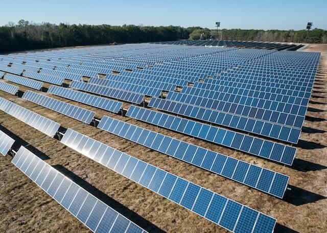 ②太陽光パネル設置の方角や傾斜角度による発電量の違い