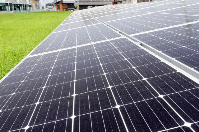 太陽光発電システムの出力を増やす【過積載】とは?